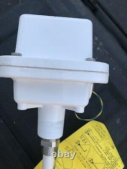 BINDICATOR RF802G1A RF-8000 Material Level Indicator Point Level Control NEW